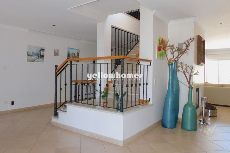 Villa with 3 bedrooms and pool near Vila Sol
